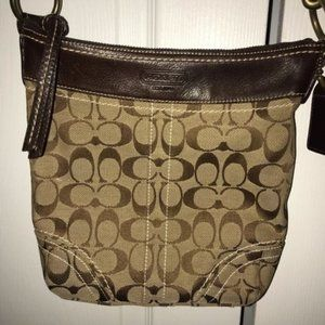 Coach 10402 Signature Shoulder Bag
